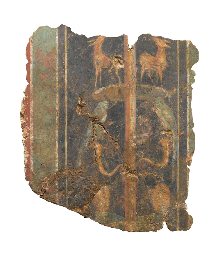 A section of a decorative fresco, dating to the 1st-century AD Roman Britain (c) MOLA