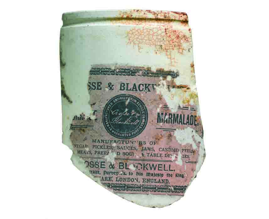 Crosse and Blackwell Pure Orange Marmalade jar shard (c) Crossrail