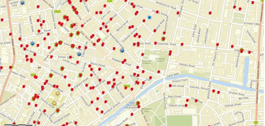 Screenshot of the 'Streets They Left Behind' interactive map showing gravesites from WW1 and 2