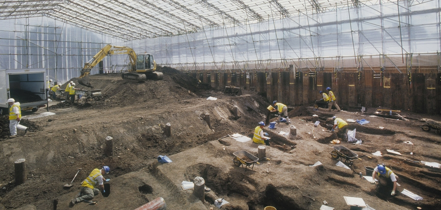 Cemetary at Spitalfields Market being excavated by MOLA