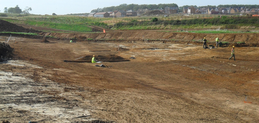 Archaeologists excavate ahead of A45 construction (c) MOLA
