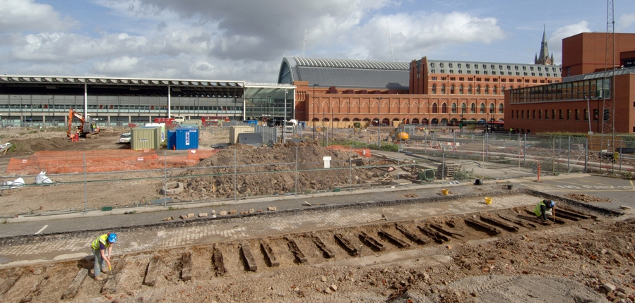 MOLA archaeologists excavate 19th century rarilway tracks at the Somers Town Goods Yard (c) MOLA