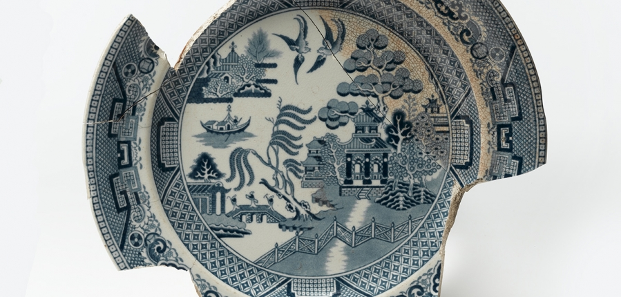 Willow pattern plate (c) MOLA