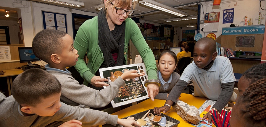 Community archaeology project in Camberwell Library with local school