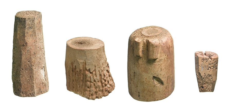 12th century chess pieces found in Northampton by MOLA