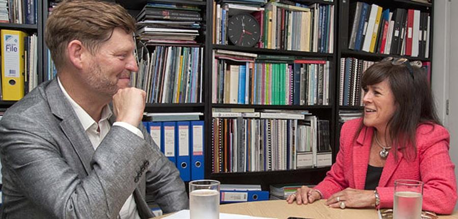 MOLA Taryn Nixon and English Heritage's Nigel Barker