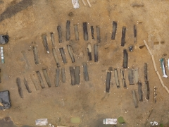 Aerial view of the excavation of an Anglo Saxon cemetery  at Great Ryburgh (c) MOLA