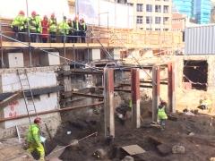 Archaeology Ambassadors visit excvation at 80 Fenchurch Street (c) MOLA