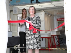 Alderman Alison Gowman cutting the ribbon on MOLA's Time Truck (c)MOLA