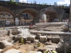 Excavating Roman buildings in north Southwark (c) MOLA