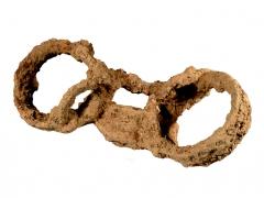 Great Casterton Roman burial shackles (c) MOLA