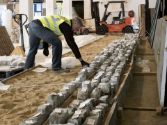 Laying out ragstone in sequence for London Mithraeum © MOLA