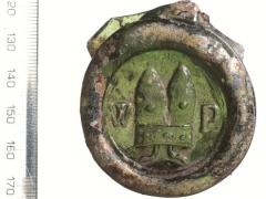 MOLA (Museum of London Archaeology) glass bottle Seal with 'WP' stamp