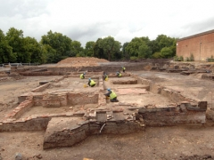 MOLA archaeologists expose the surviving walls of Sayes Court. Image looking west