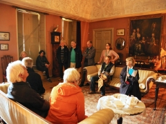 MOLA Built Heritage team lead a session at Canons Ashby (c) MOLA
