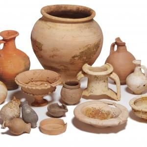 Samian pottery (c) MOLA