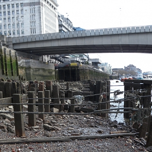 Revetments at Swan Lane by the Thames, London (c) Thames Discovery Programme