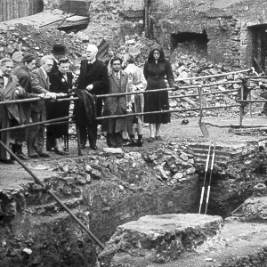 Excavation of the Temple of Mithras 1954  (c) Ivor Noel Hume