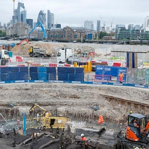 Archaeologists on the Tideway site at Chamber's Wharf (c) MOLA Headland Infrastructure.jpg