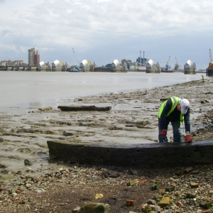 Thames Discovery Programme on the foreshore at Charlton (c) Thames Discovery Programme