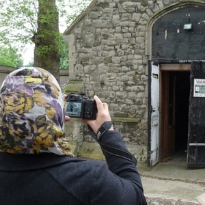 Students learn how to record historic buildings (c) MOLA