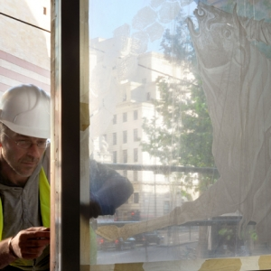 Hutton panels being removed  Bucklersbury House (c) MOLA