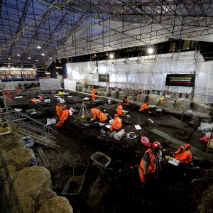 MOLA excavate New Churchyard burial ground at Liverpool Street (c) Crossrail