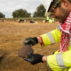 Scored ware Iron Age sherd discovered near Brampton (c) A14C2H courtesy of MOLA Headland Infrastructure.jpg