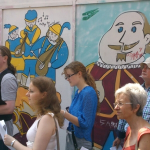 Tour by a Shakespearean panel (c)MOLA