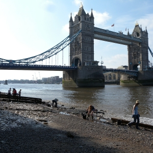 Tower Bridge Thames Foreshore (c) Thames Discovery Programme