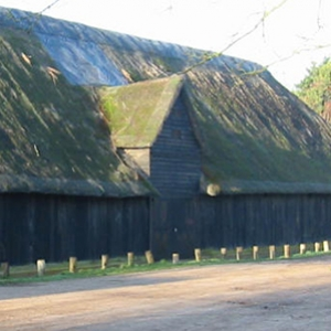 Upminster 'tithe barn' (c) Public domain