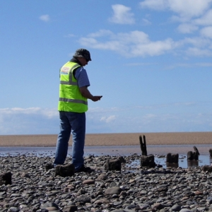 CITiZAN explore archaeology on the Mersey (c) CITiZAN
