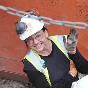 Dr Kate Faccia during excavations of site of the Boar's Head Theatre (c) MOLA