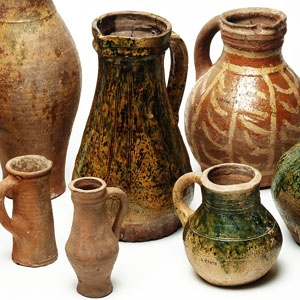 Medieval pottery collection  (c) MOLA