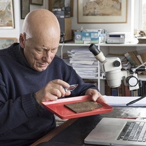 Roger Tomlin deciphers the Bloomberg tablets (c) MOLA