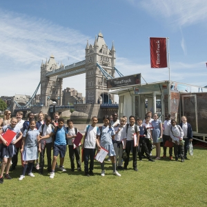School session on the Time Truck at Tower Bridge (c) MOLA