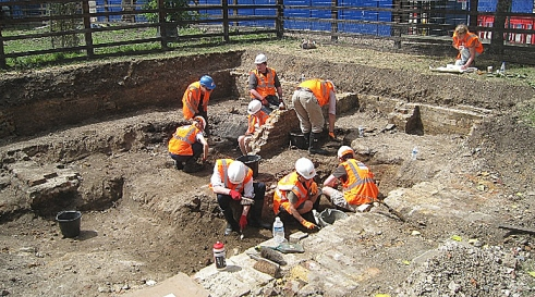 Stepney green community dig for Crossrail